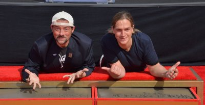 Smith and Mewes immortalized in forecourt of TCL Chinese Theatre in L.A.