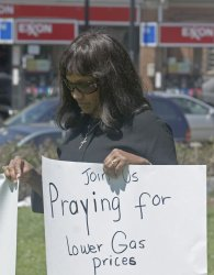CHRISTIAN GROUP CALLS FOR PRAYER TO LOWER GAS PRICES