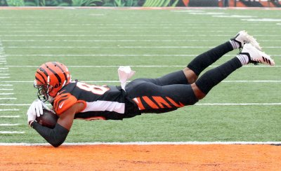 Bengals Tyler Boyd makes catch for touchdown