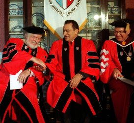 Egypt's Mubarak receives law doctorate from St. John's Univ.