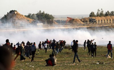 Two Palestinians, Including a Teenager Were Killed By Israeli Fire  During demonstrated along  Gaza Border