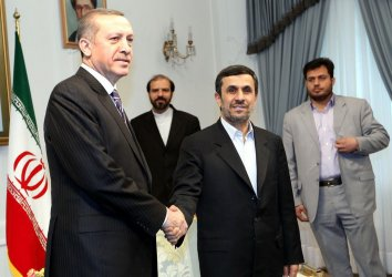 Turkish Prime Minister Meets with Iran President Ahmadinejad in Tehran