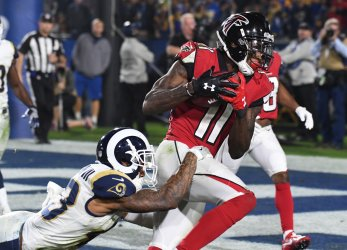 Falcons receiver Julio Jones scores in NFC Wild Card Playoff Game