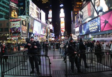 NYPD presence in Times Square due to Paris terrorist attacks