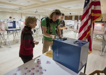 Students vote at University of Colorado Boulder