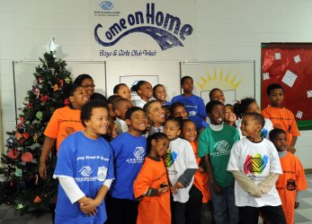 President Obama reads to children at Boys and Girls Club in Washington