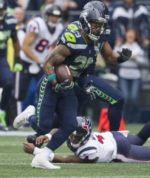 Seattle Seahawks came from behind to beat the  Houson Texans 41-38 in Seattle