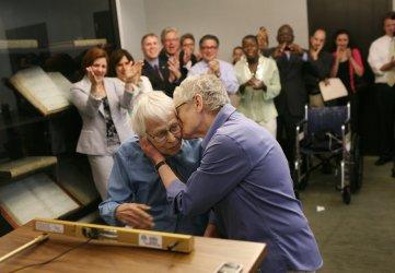 SAME SEX MARRIAGE BEGINS IN NEW YORK