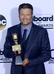 Blake Shelton wins an award at the Billboard Music Awards in Las Vegas