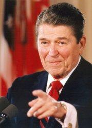Former President Reagan undergoes hip surgery