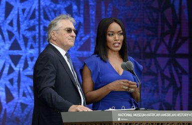 Obama attends opening ceremony of African American Museum