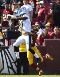 Eagles receiver Alshon Jeffery catches two point conversion in front of Redskins Josh Norman