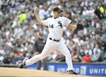 White Sox pitcher Peavy delivers against Tigers in Chicago