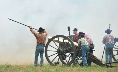 Reenactment of the Battle of Bull Run marks the 150th anniversary of the start of the Civil Way in Manassas