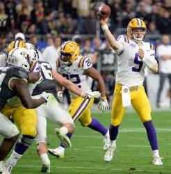 LSU's Burrow named offensive player of the game