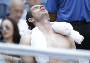 Andy Murray cools down at the US Open