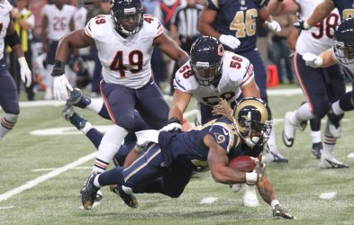 St. Louis Rams Tre Mason gets chased down
