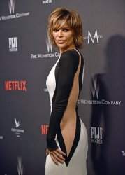 Lisa Rinna attends Weinstein Company and Netflix 2017 Golden Globes after party