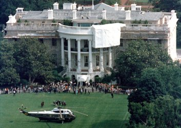 Birds eye view of the South lawn of the White House as Presidents George Bush and Mikhail Gorbachev fly off to Camp David, MD