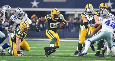 Green Bay Packers Ty Montgomery rushes against the Dallas