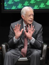 Carter speaks at Peace Summit in Chicago