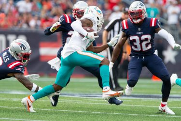 Dolphins Waddle carry against Patriots