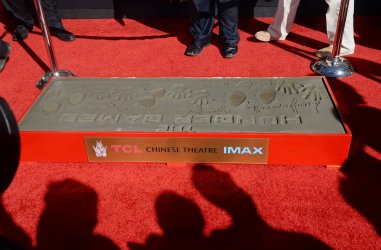 """""""Hunger Games"""" cast participate in handprint ceremony in Los Angeles"""