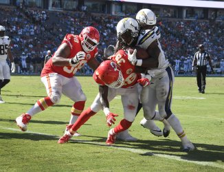 Chargers' Melvin Gordon III  scores on a two point conversion