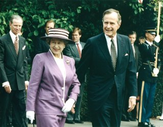 Queen Elizabeth II and Prince Philip are welcomed to the White House by President George and First Lady Barbara Bush