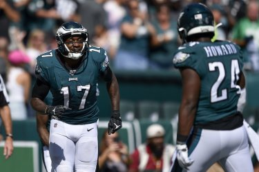 Eagles wide receiver Alshon Jeffery celebrates his touchdown