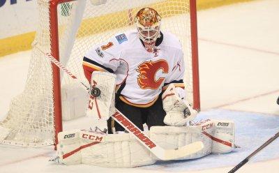 Calgary Flames goaltender Brian Elliott