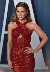 Kate Beckinsale attends Vanity Fair Oscar party 2020