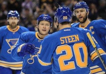 St. Louis Blues Vladimir Tarasenko scores goal