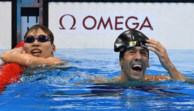 USA's Michael Phelps wins a silver medal during the Men's 100M Butterfly at the 2016 Rio Olympics