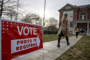 Voters Head To The Polls On Super Tuesday in Virigina ..