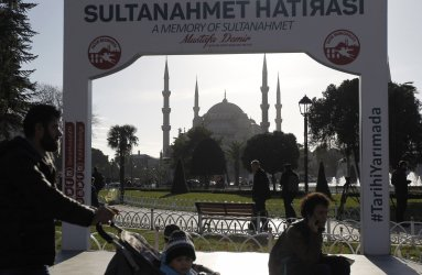 Turkey Suspects Istanbul's Suicide Bomber Linked to ISIS