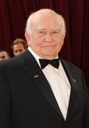 Ed Asner arrives at the Academy Awards in Hollywood