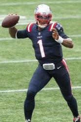 Patriots Newton passes against Raiders