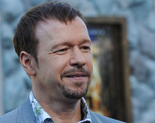 """Donnie Wahlberg attends the """"Zookeeper"""" premiere in Los Angeles"""