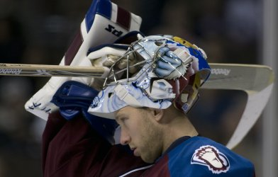 Avalanche Goalie Anderson Returns to Action in Denver