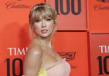 Taylor Swift arrives at the TIME 100 Gala in New York