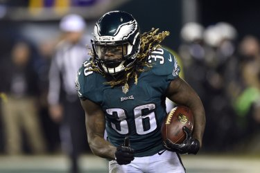 Eagles' Jay Ajayi runs the ball in the NFC Championship