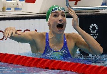 South Aftrica's Schoenmaker sets World Record, 2:18.95, in Women's 200m Breastroke Final