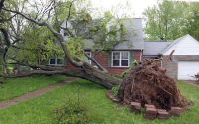 Tornado damage in St. Louis area