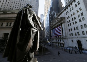 Stocks continue to fall on Coronavirus fears at the NYSE