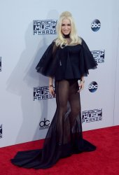 Gwen Stefani attends the 43rd annual American Music Awards in Los Angeles