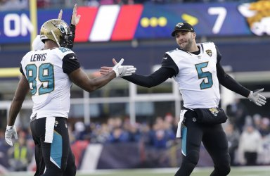 Jaguars Bortles and Lewis celebrate in the AFC Championship
