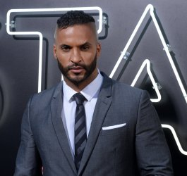 """Ricky Whittle attends the """"American Gods"""" premiere in Los Angeles"""