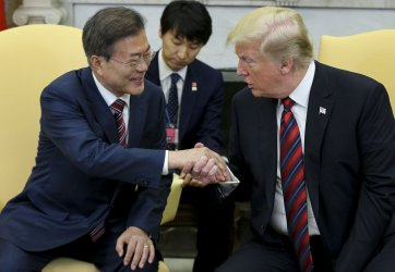 President Trump welcomes South Korean President Moon Jae-in to the White House