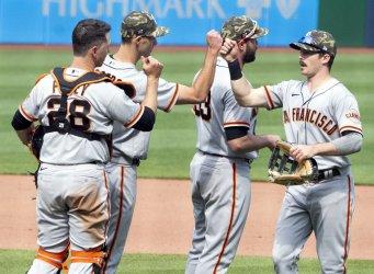 San Francisco Giants Celebrates 4-1 Win in Pittsburgh